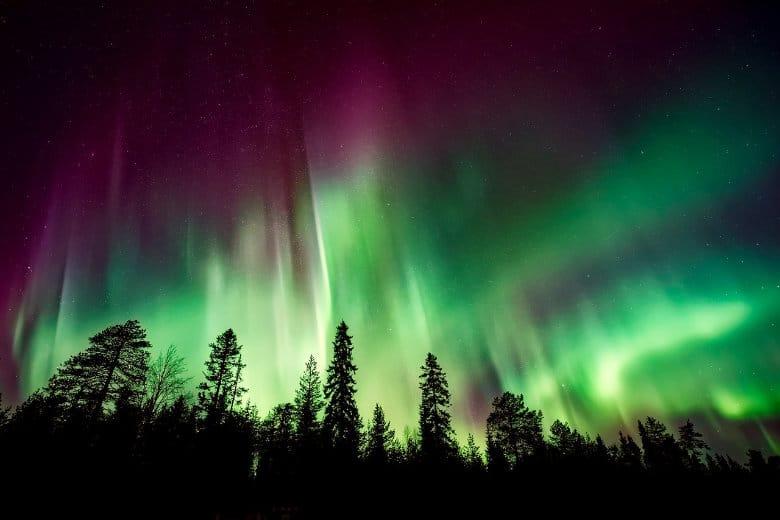 color range of the northern lights