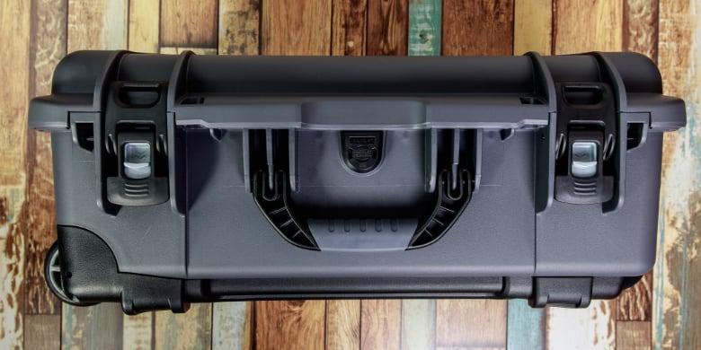 nanuk 935 powerclaw latching system