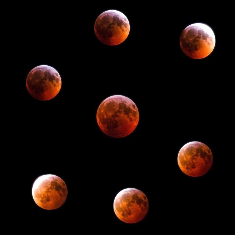 """An """"S""""-shaped collage of images of the total lunar eclipse of January 21st 2019 in Belgium."""
