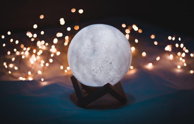 Best Moon Lamps